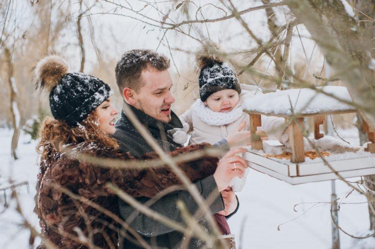Nourrir bébé à l'extérieur par grand froid